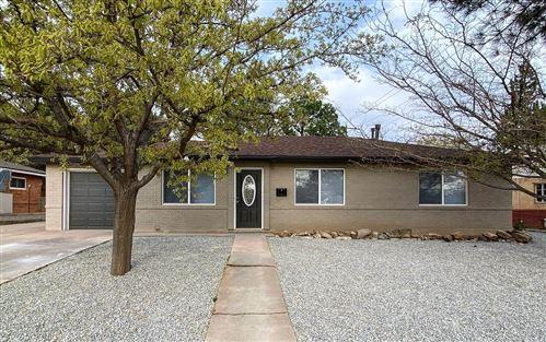 Photo of 2014 HENDOLA Drive NE, Albuquerque, NM 87110 (MLS # 985292)