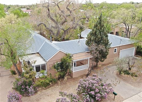 Photo of 2026 CANDELARIA Road NW, Albuquerque, NM 87107 (MLS # 990292)
