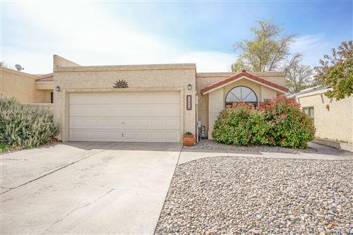 Photo of 11036 Malaguena Lane NE, Albuquerque, NM 87111 (MLS # 989295)