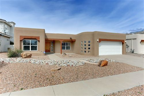 Photo of 8909 Robs Place NE, Albuquerque, NM 87122 (MLS # 940299)