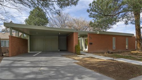 Photo of 1605 Morningside Drive NE, Albuquerque, NM 87110 (MLS # 941299)