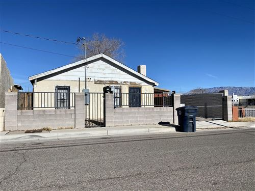 Photo of 519 TOWNER Avenue NW, Albuquerque, NM 87102 (MLS # 982299)