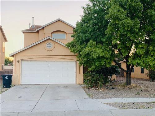 Photo of 627 Minaret Drive SW, Albuquerque, NM 87121 (MLS # 976301)