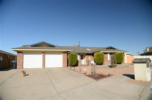 Photo of 5413 DEE Drive NE, Albuquerque, NM 87111 (MLS # 990301)