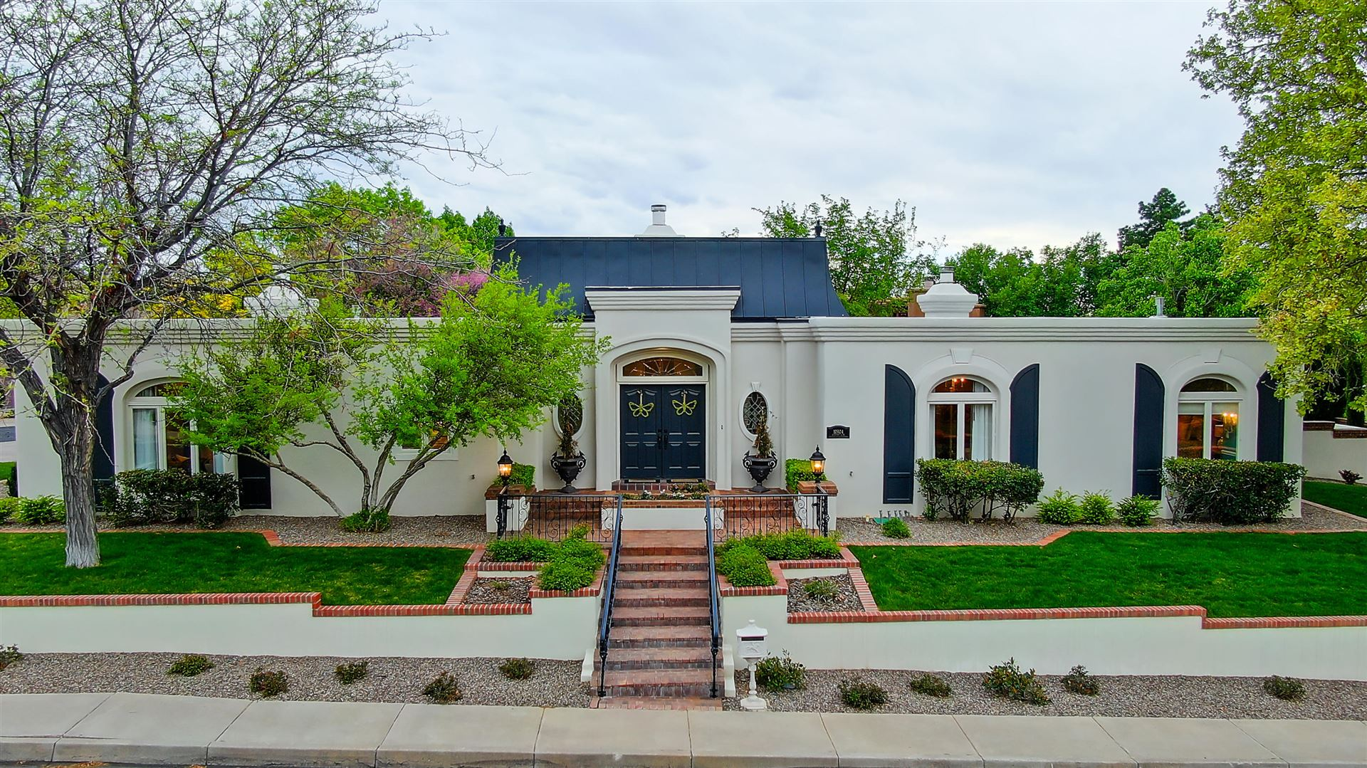 Photo of 10904 COUNTRY CLUB Drive NE, Albuquerque, NM 87111 (MLS # 967305)