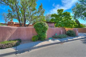 Photo of 1601 Granite Avenue NW, Albuquerque, NM 87104 (MLS # 947308)