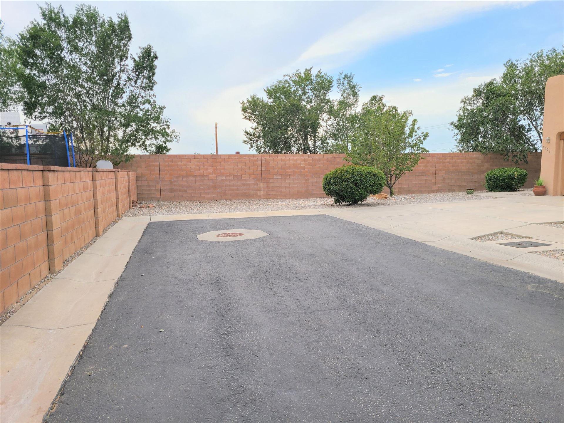 Photo of 6601 GLENTURRET Way NE, Albuquerque, NM 87113 (MLS # 999314)