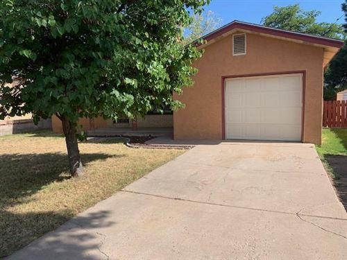 Photo of 5215 Los Arboles Avenue NE, Albuquerque, NM 87110 (MLS # 974322)