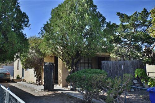 Photo of 3534 Vail Avenue SE, Albuquerque, NM 87106 (MLS # 980325)