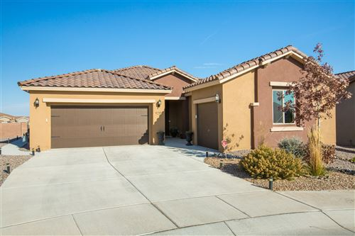 Photo of 9215 RED BUTTE Place NW, Albuquerque, NM 87120 (MLS # 981335)