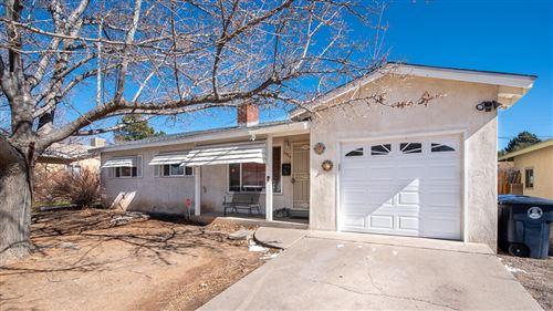 Photo of 2924 CARDENAS Drive NE, Albuquerque, NM 87110 (MLS # 986339)