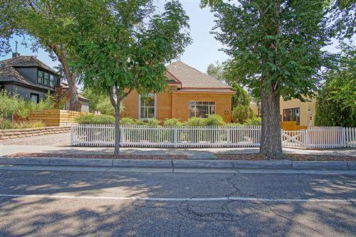 Photo of 310 EDITH Boulevard SE, Albuquerque, NM 87102 (MLS # 976342)