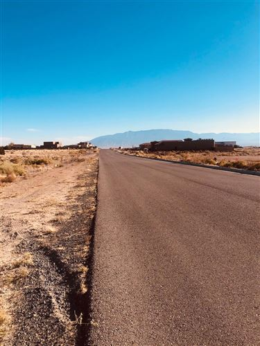 Photo of Kimmick Drive NW #17, Albuquerque, NM 87120 (MLS # 981343)