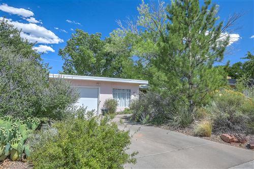 Photo of 424 SIERRA Drive SE, Albuquerque, NM 87108 (MLS # 972346)