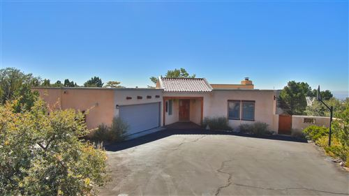 Photo of 38 ROCK RIDGE Drive NE, Albuquerque, NM 87122 (MLS # 979346)