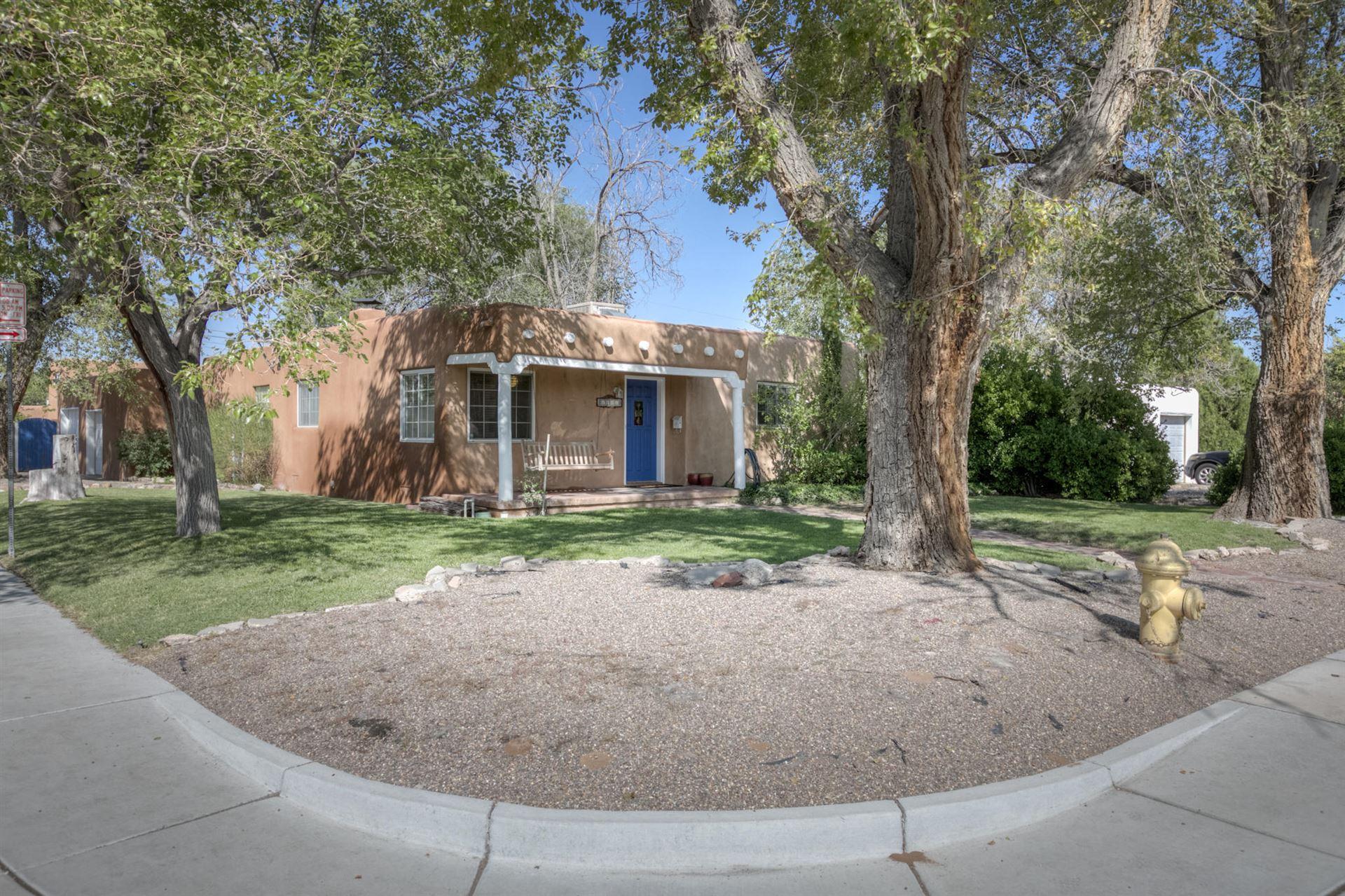 Photo of 1101 COLUMBIA Drive NE, Albuquerque, NM 87106 (MLS # 977347)