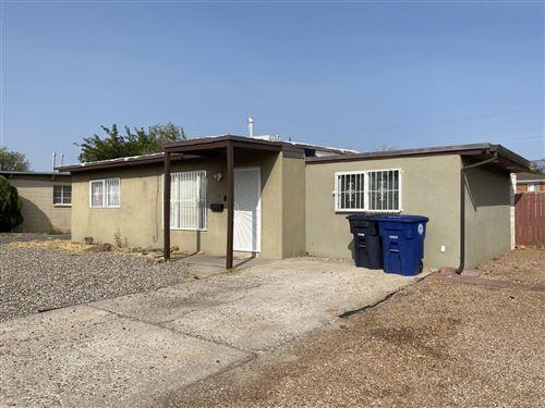 Photo of 2704 KENTUCKY Street NE, Albuquerque, NM 87110 (MLS # 977352)