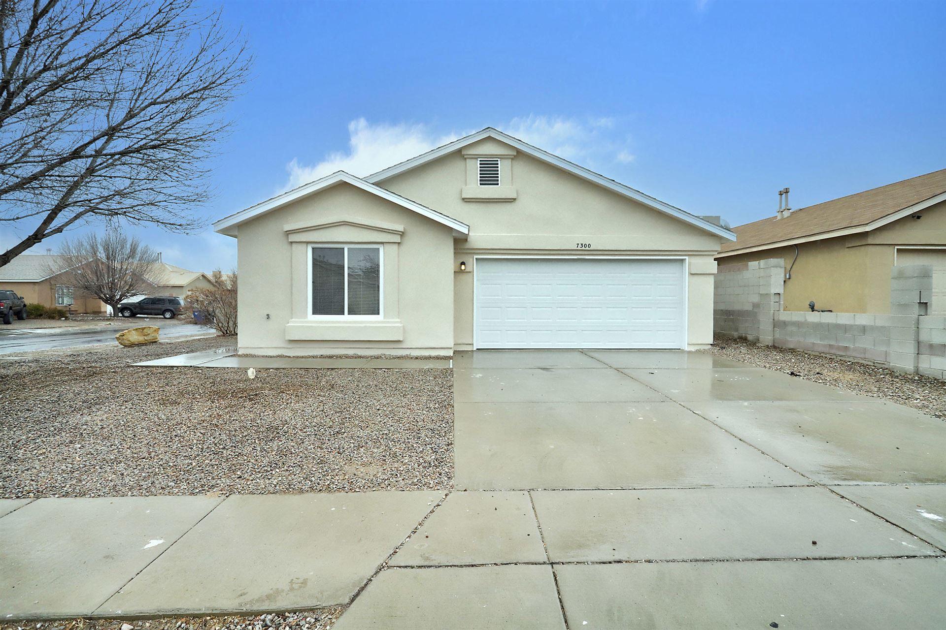 7300 DESERT MORNING Road SW, Albuquerque, NM 87121 - #: 984352