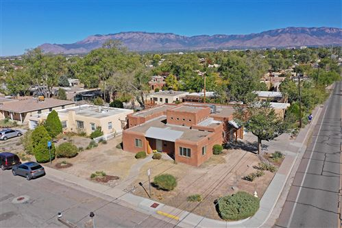 Photo of 1200 LOBO Place NE, Albuquerque, NM 87106 (MLS # 979361)
