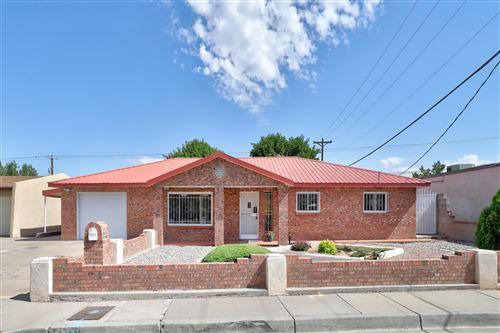 Photo of 3521 DELAMAR Avenue NE, Albuquerque, NM 87107 (MLS # 994364)