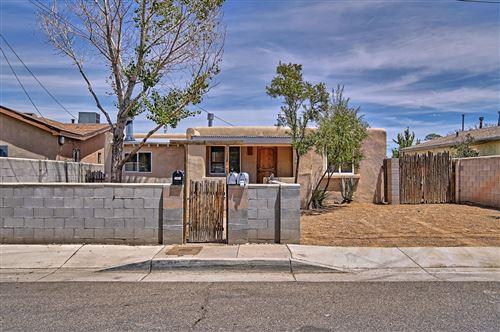 Photo of 1219 Summer Avenue NW, Albuquerque, NM 87104 (MLS # 972367)