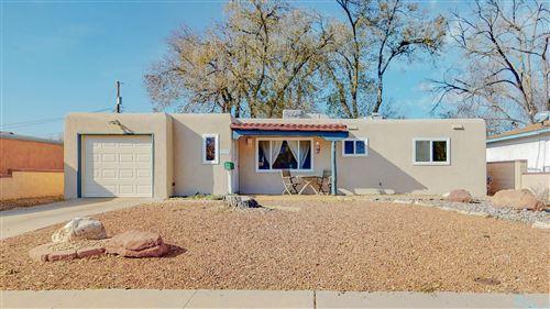 Photo of 3113 Palomas Drive NE, Albuquerque, NM 87110 (MLS # 981367)