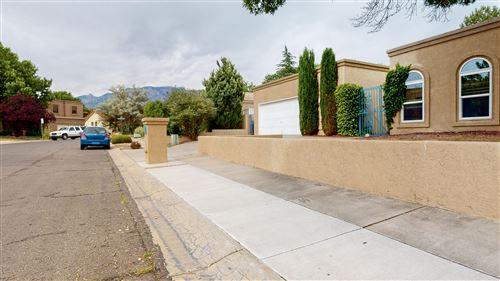Photo of 5510 Vista Lejana NE, Albuquerque, NM 87111 (MLS # 971370)
