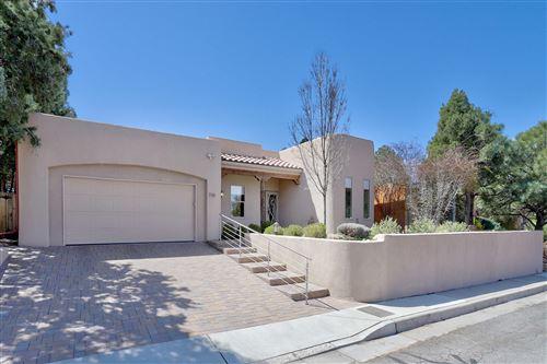 Photo of 3304 Santa Clara Avenue SE, Albuquerque, NM 87106 (MLS # 989371)