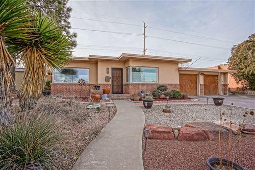 Photo of 3304 Loma Vista Place NE, Albuquerque, NM 87106 (MLS # 983375)