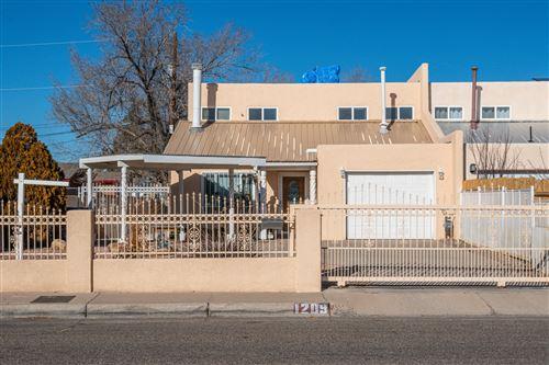 Photo of 1209 AZTEC Road NW, Albuquerque, NM 87107 (MLS # 983377)