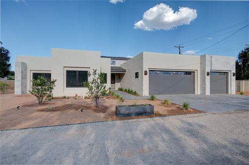 Photo of 2127 CANDELARIA Road NW, Albuquerque, NM 87107 (MLS # 971383)
