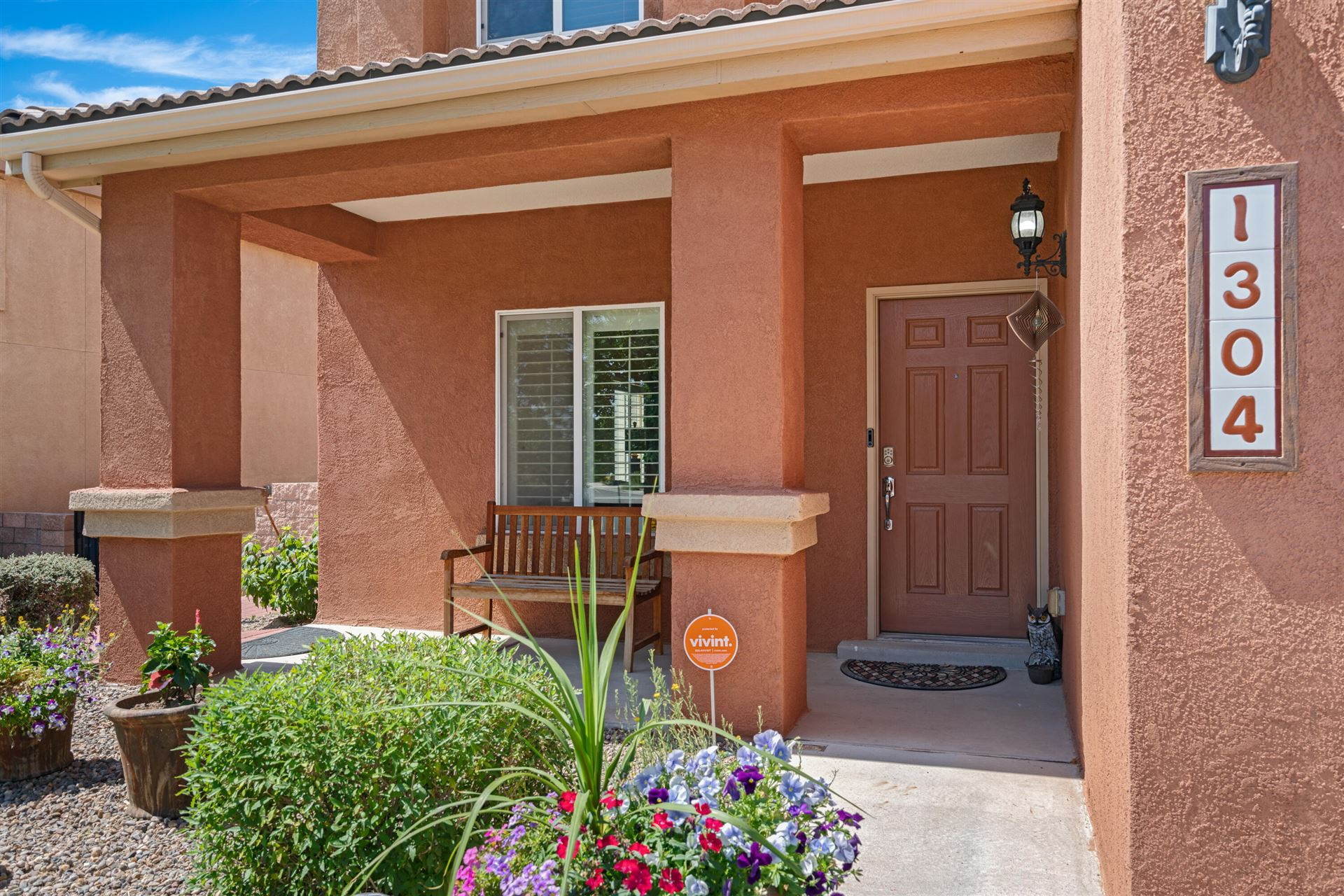 Photo of 1304 CIRRUS Drive NW, Albuquerque, NM 87120 (MLS # 994385)