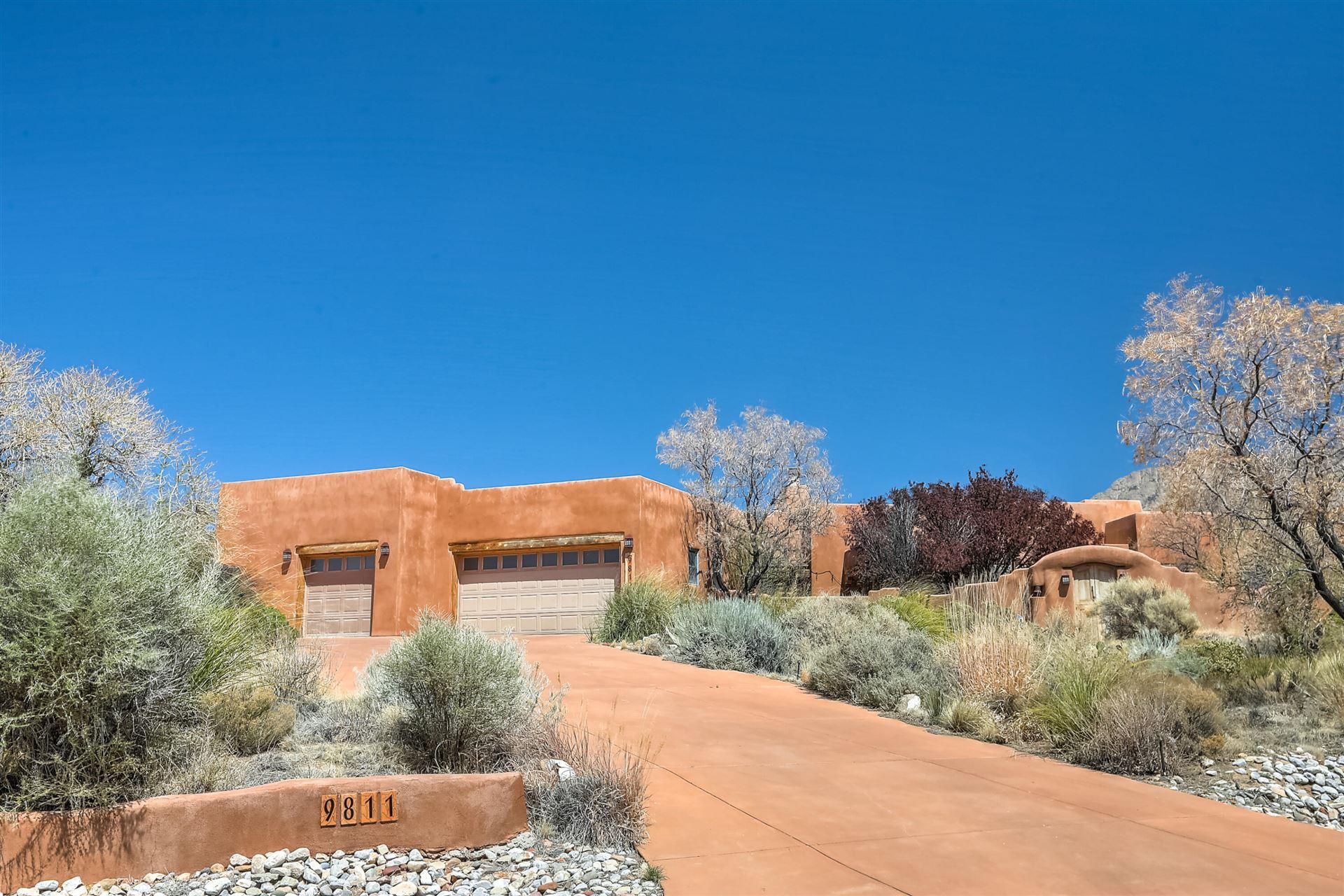 9811 DESERT MOUNTAIN Road NE, Albuquerque, NM 87122 - MLS#: 989388