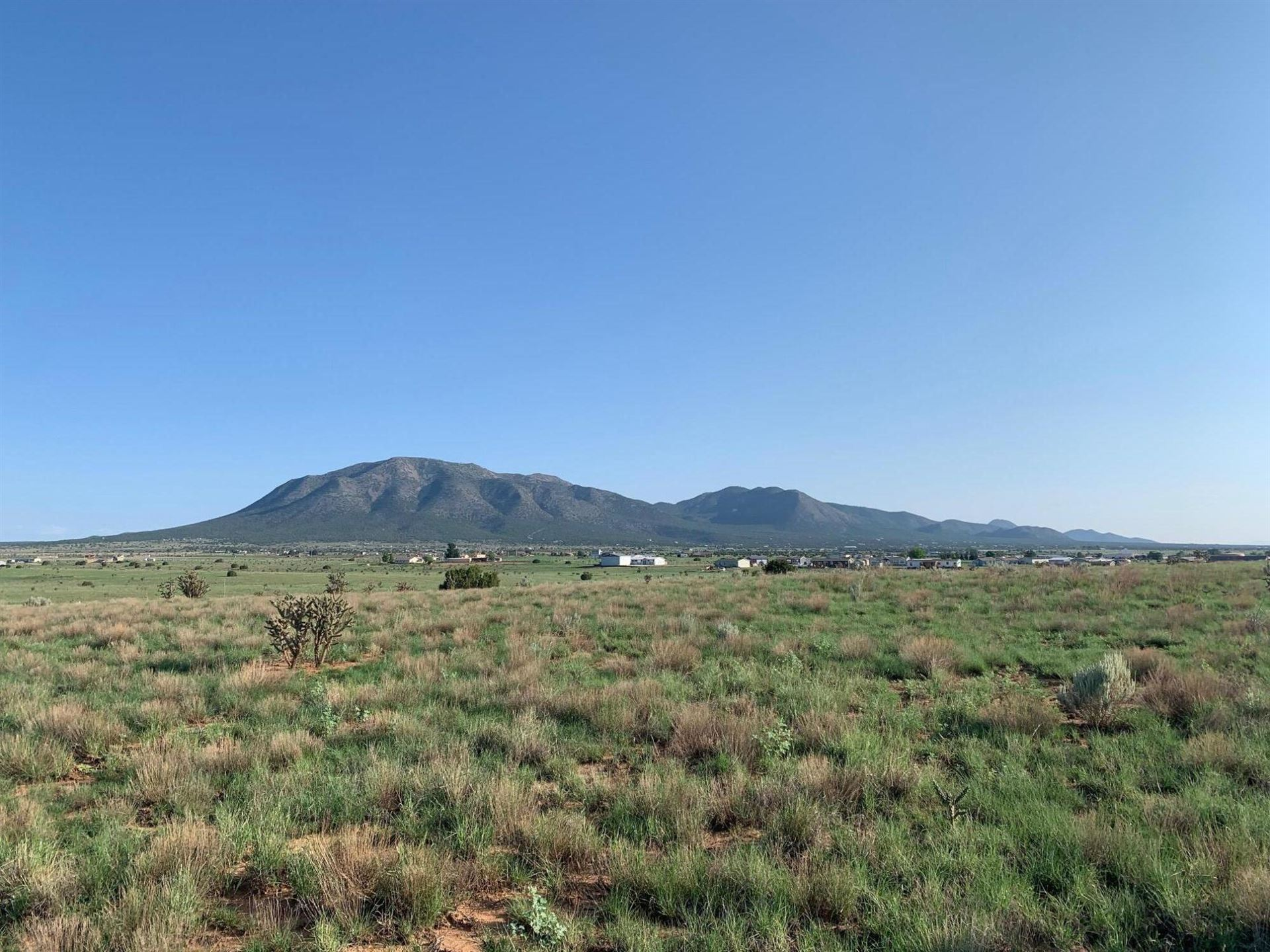 Photo for 21 NORTHLAND MEADOWS Place, Edgewood, NM 87015 (MLS # 997393)