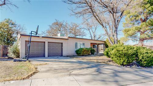 Photo of 3810 Veranda Road NE, Albuquerque, NM 87110 (MLS # 981396)