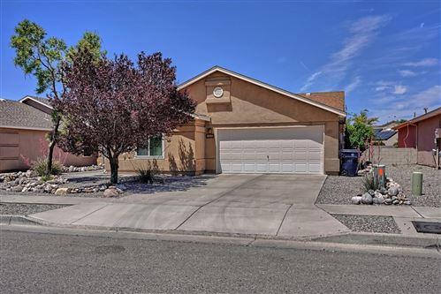 Photo of 423 DESCHUTES Street SE, Albuquerque, NM 87123 (MLS # 993398)