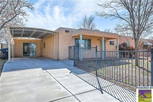 Photo of 2332 ALVARADO Drive NE, Albuquerque, NM 87110 (MLS # 996400)