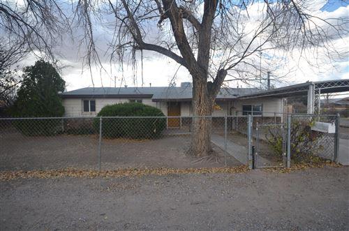 Photo of 124 Pueblo Luna Drive NW, Albuquerque, NM 87107 (MLS # 983403)