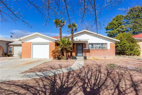 Photo of 4717 COMANCHE Road NE, Albuquerque, NM 87110 (MLS # 986406)