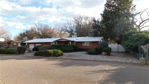 Photo of 332 ENCHANTED VALLEY Place NW, Los Ranchos, NM 87107 (MLS # 982407)