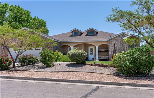 Photo of 808 SUZANNE Lane SE, Albuquerque, NM 87123 (MLS # 992408)