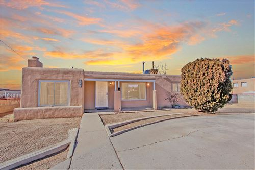 Photo of 1501 HENDOLA Drive NE, Albuquerque, NM 87110 (MLS # 959411)