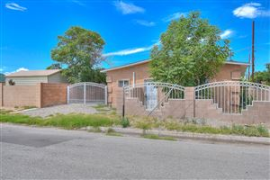 Photo of 109 Lewis Avenue SE, Albuquerque, NM 87102 (MLS # 951412)