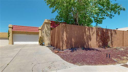 Photo of 9513 COMANCHE Road NE, Albuquerque, NM 87111 (MLS # 991414)