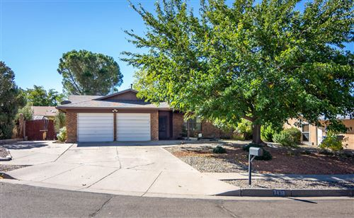 Photo of 7438 VOLUNTEER Street NE, Albuquerque, NM 87109 (MLS # 979416)