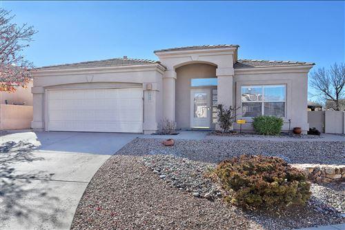 Photo of 8004 La Caverna Avenue NE, Albuquerque, NM 87122 (MLS # 981416)