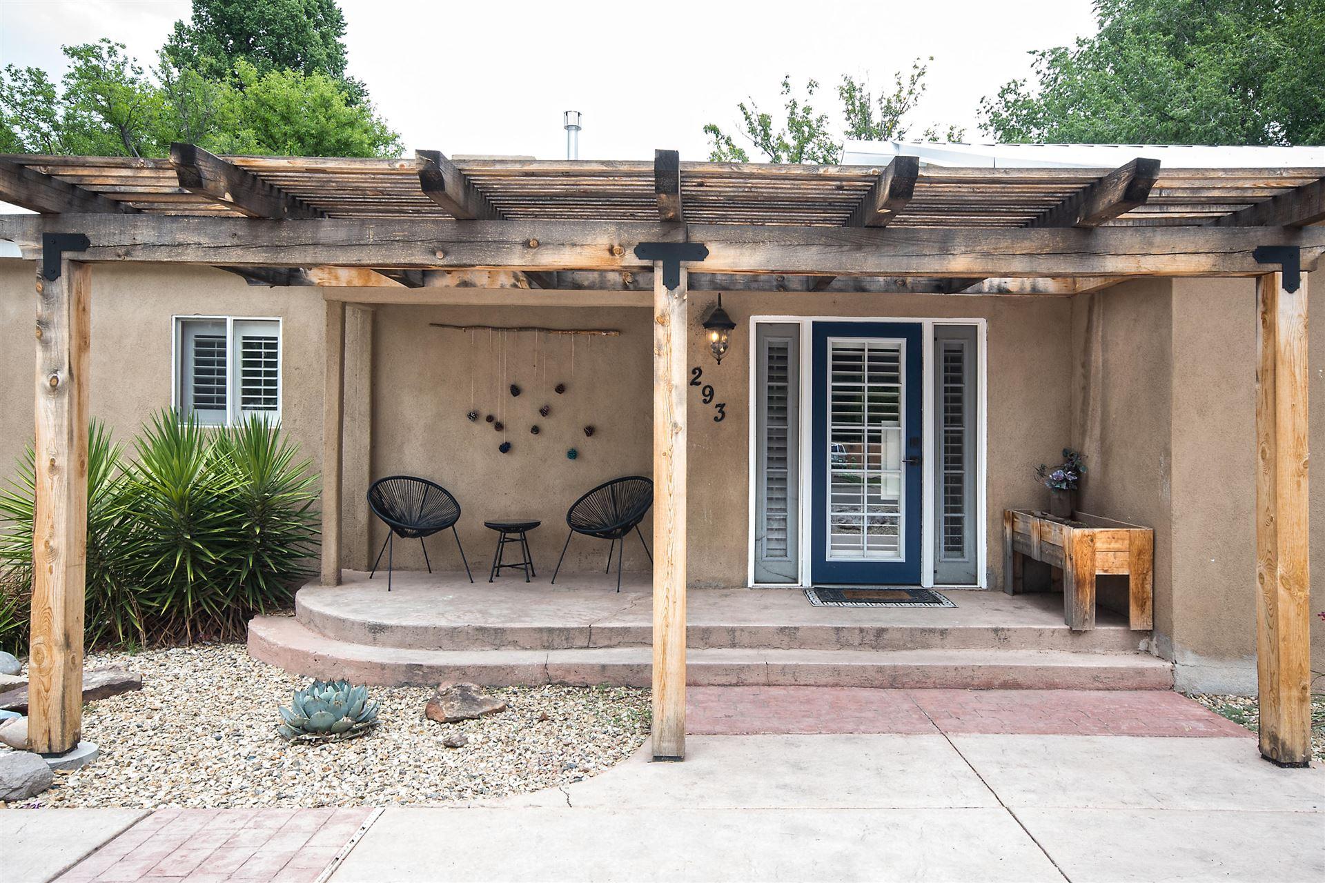 Photo of 293 ALAMOSA Road NW, Albuquerque, NM 87107 (MLS # 974416)