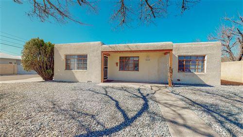 Photo of 2503 PALOMAS Drive NE, Albuquerque, NM 87110 (MLS # 986417)