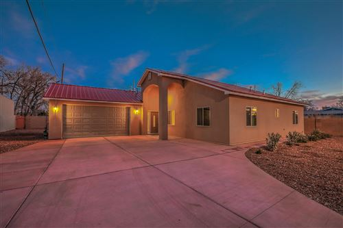Photo of 4624 8TH Street NW, Albuquerque, NM 87107 (MLS # 958419)