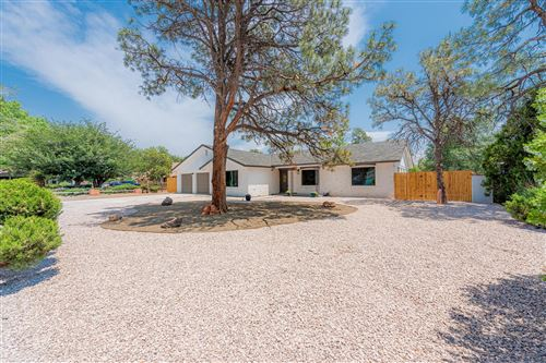 Photo of 4118 CHERRYDALE Court NW, Albuquerque, NM 87107 (MLS # 997425)